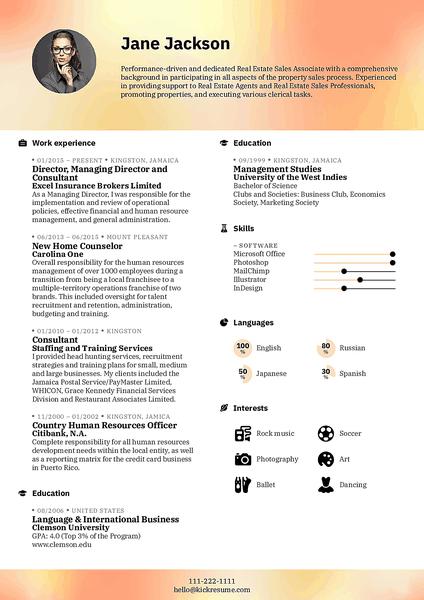 Plantilla de currículum Blurred realizada por el creador de currículums de Kickresume